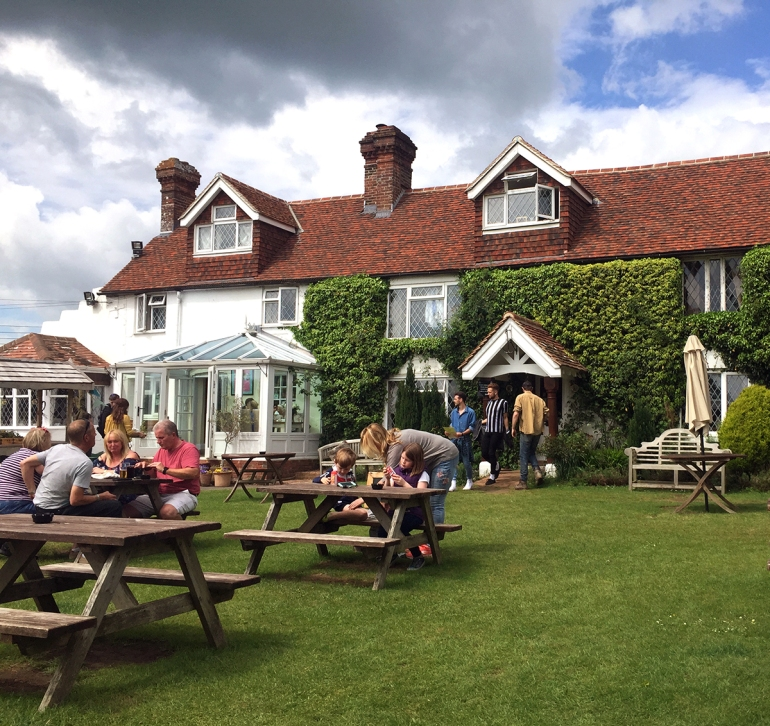 anchor-inn-pub-barcombe-east-sussex-england