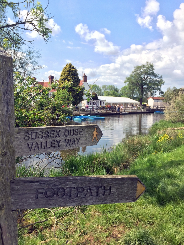 sussex-ouse-valley-footpath-sign
