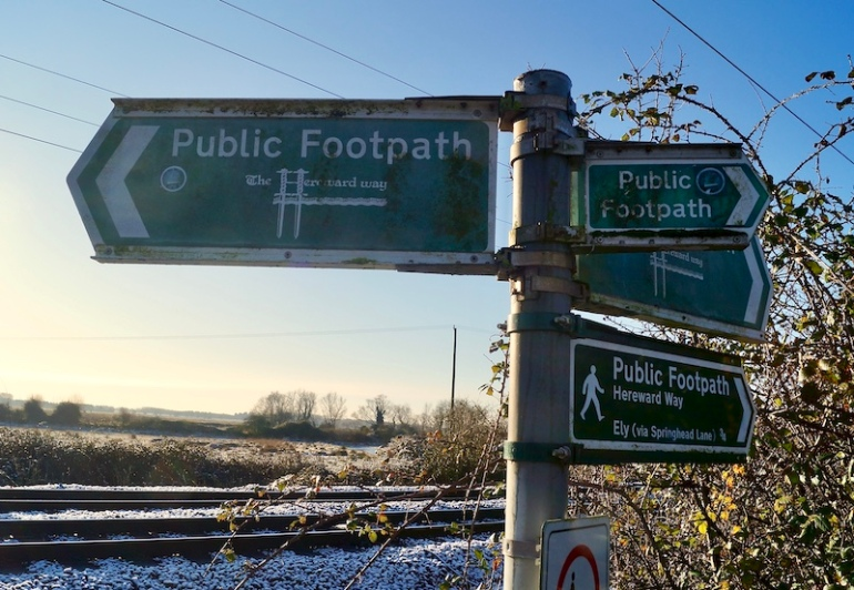 Hereward-Way-Footpath-Signs-Ely